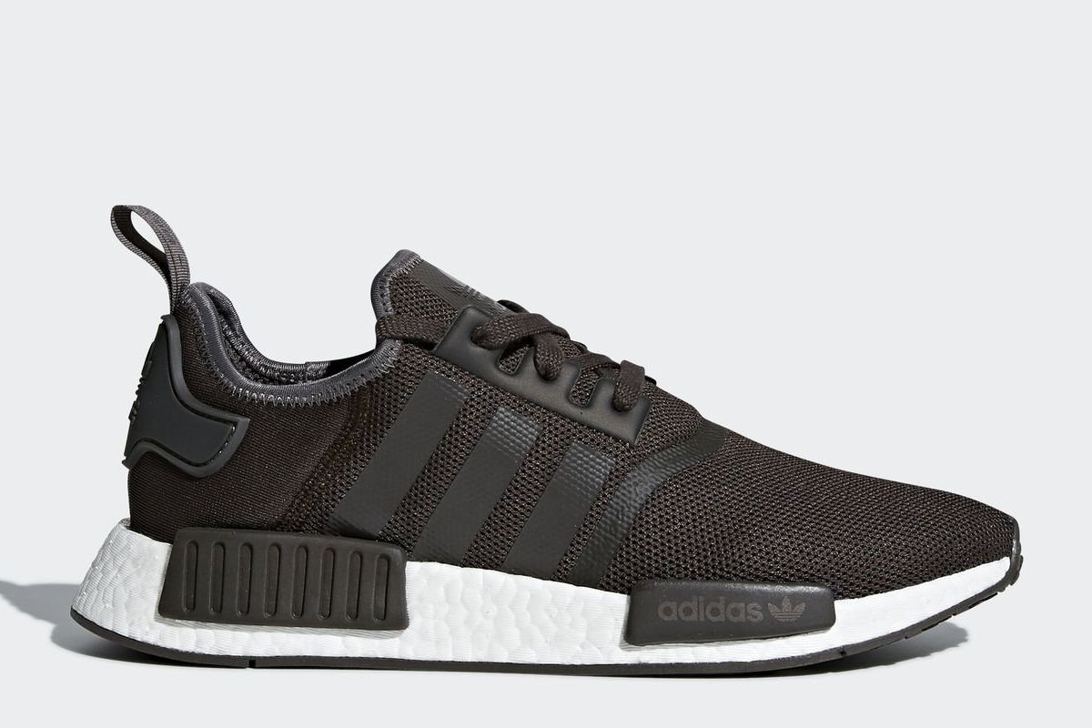 adidas nmd r1 grau sneakerkompass. Black Bedroom Furniture Sets. Home Design Ideas