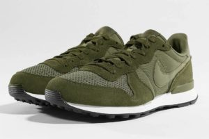 nike internationalist grün grüne sneakers herren