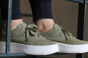 "Release: Nike Air Force 1 Damen Grün ""Sage Trooper"""
