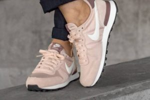 Review: Nike Internationalist Damen Rosa