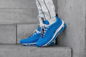 Top 10 Blaue Sneaker Herren · August [year]