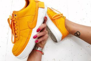Top 10 Orangen Sneaker Damen · Juni [year]