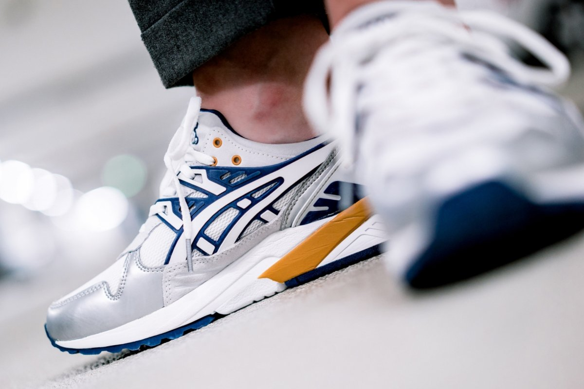 Asicstiger X Naked Wmns Gel Kayano Trainer 1193a146 100 Mood 2
