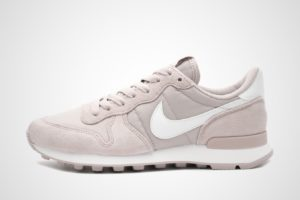 nike-internationalist-damen-lila-828407-502-lila-sneakers-damen