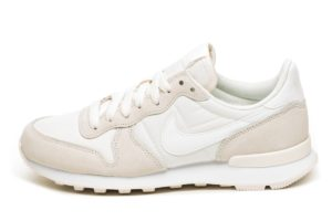 nike-internationalist-damen-weiß-828407 104-weiße-sneakers-damen