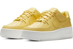nike-air force 1-damen-gold-ar5339-700-goldene-sneaker-damen