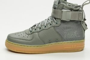 nike-air force 1-damen-grün-aa3966 004-grüne-sneakers-damen