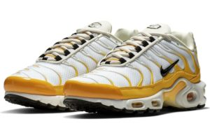 nike-air max plus-damen-gold-cd7061-700-goldene-sneaker-damen