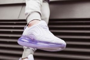 Review + Release: Nike Air Max 720 Damen Silber