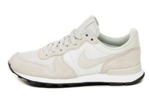 nike-internationalist-damen-silber-828407 032-silberne-sneakers-damen